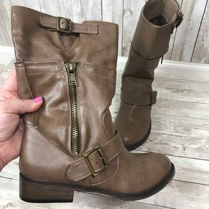 SM New York Women's Boots size 6 1/2 Brown